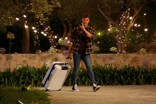 Brad leaves the Love Island villa.