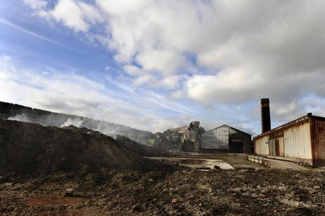 The 2013 fire at Thrunton brickworks.