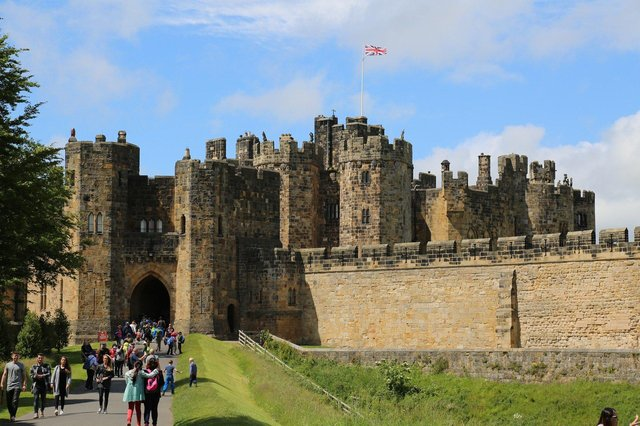 Nearly 10,000 people left Northumberland in the year to June 2019, statistics show.