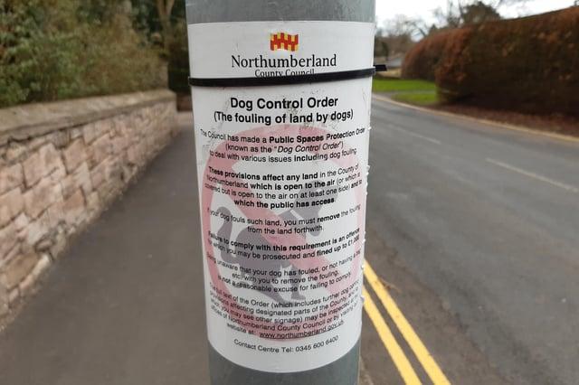 Dog fouling notice.
