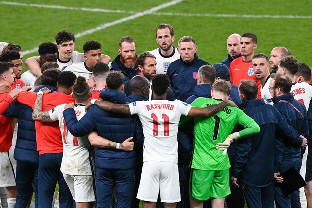 Gareth Southgate, Head Coach of England speaks to his players and staff at Wembley during the Euro 2020 final. Picture: Facundo Arrizabalaga - Pool/Getty Images.